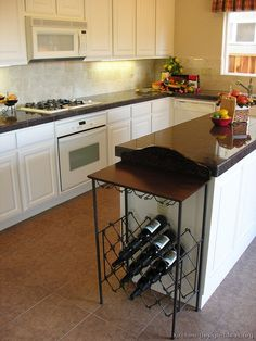 Traditional White Kitchen Cabinets #43 (Kitchen-Design-Ideas.org)
