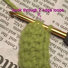 Crochet Purses Ideas How to create a strong crochet strap for bags. A strap that feels and looks good and holds its shape. I made up this Strap sc stitch that works perfectly! Crochet Shell Stitch, Single Crochet Stitch, Crochet Stitches, Crochet Handbags, Crochet Purses, Crochet Bags, Crochet Cord, Love Crochet, New Stitch A Day