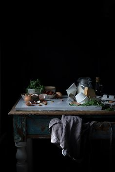 Muffin alla rucola, pomodori secchi e mandorle