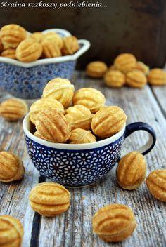 Kraina rozkoszy podniebienia...: Orzeszki Pretzel Bites, Cake Cookies, Cake Pops, Cereal, Sweets, Snacks, Chocolate, Cooking, Breakfast