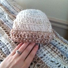 Crocheted for baby Crochet Hats For Boys, Crochet Baby Clothes, Crochet Baby Hats, Knitting For Kids, Knit Crochet, Kids Hats, Baby Things, Beautiful Babies, Grandkids