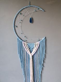 Crafts To Make, Arts And Crafts, Moon Dreamcatcher, Dream Catcher Art, Moon Shapes, Beautiful Dream, Wow Products, Blue Moon, Baby Blue