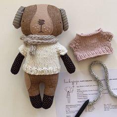 Luckyjuju Puppy Doll Sweater - Free Knitting Pattern and Video Tutorial — Luckyjuju Diy Rag Dolls, Diy Doll, Doll Patterns Free, Doll Clothes Patterns, Free Pattern, Sewing Patterns, Fabric Doll Pattern, Fabric Dolls, Sweater Knitting Patterns