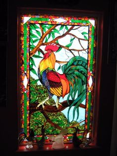 Rooster - Delphi Stained Glass Extraordinary Rooster design and window! Rooster Art, Glass Painting, Glass Birds, Mosaic Art, Stained Glass Art, Glass Animals, Glass Art