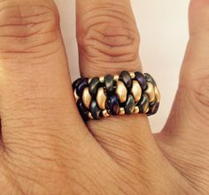 AB & Gold Superduo Ring Inspiration only Seed Bead Jewelry, Beaded Jewelry, Jewelry Rings, Beaded Rings, Beaded Bracelets, Handmade Rings, Handmade Jewelry, Super Duo Beads, Twin Beads