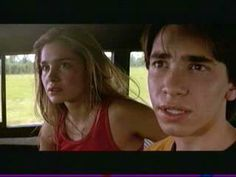 Jeepers Creepers- Trish and Darry see the Creeper dumping bodies. Elyse Levesque, Melanie Scrofano, Justin Long, Darry, Jeepers Creepers, Drawing People, Horror Movies, Thriller, Movie Tv