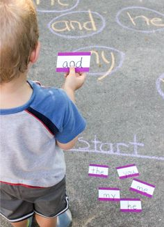 Learn to read Sight Words with this FUN, movement sidewalk chalk sight word game Learning Time, Learning To Read Games, Learn To Read Kindergarten, Preschool Learning Games, Teaching Toddlers To Read, Letter Learning Games, Kindergarten Sight Word Games, Learning Sight Words, Sight Word Practice