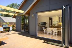 My Houzz: Simple Living Inspires Efficient Northern Californian Home contemporary patio