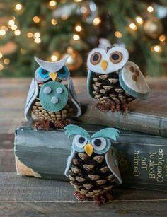 Weihnachtsdekoration - elegante Dekoideen mit Zapfen Christmas decoration - elegant deco ideas with cones. Kids Crafts, Fall Crafts, Diy And Crafts, Simple Crafts, Upcycled Crafts, Decor Crafts, Christmas Crafts, Xmas, Christmas Ornaments