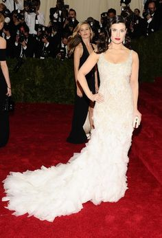 Idina Menzel | All The Pretty Dresses From The 2014 Met Ball