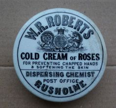 Roberts Cold Cream of Roses Victorian Ointment Pot Vintage Bottles, Vintage Perfume, Old Medicine Bottles, Old Crocks, Cold Cream, Pot Lids, Cream Roses, Pharmacists, Eye Doctor