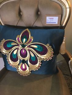 Ring Pillows, Throw Pillows, Ottoman Design, Ring Pillow Wedding, Gold Work, Machine Embroidery Patterns, Ribbon Embroidery, Fabric Painting, Applique