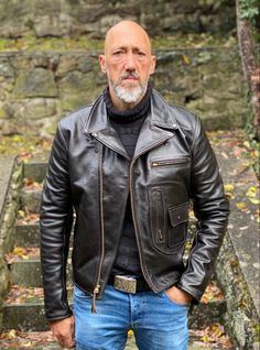 Leather Flight Jacket, Leather Jackets, Unique Outfits, Vintage Outfits, Tweed Trousers, Mature Men, Motorcycle Jacket, Street Wear, Menswear