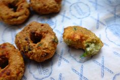 Savala Vada …Its a pure nadan tea time snack recipe ..In my village it is called as thula vada ..But I came to know that it has got 2 other names also ..Savala vada and mulaku vada ..Don`t k…