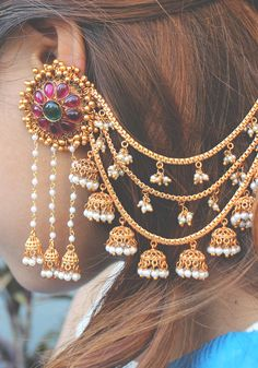 Temple Work Earrings with Ear Chain and Jhumkis - Paisley Pop . - Jewelry Accessories - Temple Work Earrings with Ear Chain and Jhumkis - Paisley Pop . Temple Work Earrings with Ear Chain and Jhumkis - Paisley Pop Indian Jewelry Earrings, Indian Jewelry Sets, Jewelry Design Earrings, Gold Earrings Designs, Ear Jewelry, Chain Earrings, Boho Jewelry, Diamond Jewelry, Silver Jewelry
