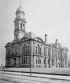 New Castle County Courthouse, Wilmington, Delaware, 1890s. Demolished in 1915.