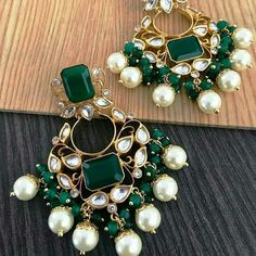 Gold Jhumka Earrings, Indian Jewelry Earrings, Gold Bridal Earrings, Fancy Jewellery, Fancy Earrings, Gold Earrings Designs, Boho Earrings, Bridal Jewelry, Gold Jewelry