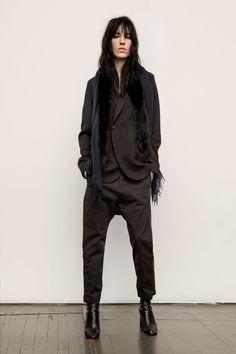 http://www.vogue.com/fashion-shows/fall-2017-ready-to-wear/nili-lotan/slideshow/collection