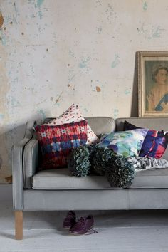 Really like this wallpaper.  25% off Amy Sia scarves and cushions with thie coupon code: HOLIDAYS25PIN Ends 5/12/14