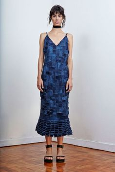 Olha esse vestido tipo trama e urdume com jeans (R$ 2.087,50)