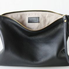Leather Hobo Handbags, Leather Clutch Bags, Crossbody Clutch, Black Leather Bags, Leather Crossbody, Leather Wallet, Saddle Leather, Bag Accessories, Zapatos