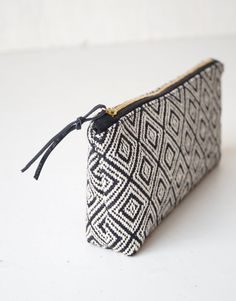 Elegant black and white, woven pencil case / makeup bag combines simple styling with modern pattern and color palette. This zipper pouch will help you to keep o White Pencil, Black Pencil Case, Pencil Cases, Pencil Pouch, Best Bridesmaid Gifts, Makeup Brush Holders, Handmade Bags, Clutch Purse, Zipper Pouch
