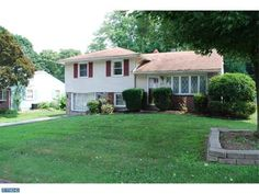 207 N Central Blvd, Broomall PA 19008 home for sale Delaware County. http://www.anthonydidonato.net/wordpress/2013/07/24/207-n-central-blvd-broomall-pa-19008-home-for-sale-delaware-county/ Please Contact Me for more information about this home for sale at 207 N Central Blvd, Broomall PA 19008 in Delaware County and other Homes for sale in Delaware County PA and the Wilmington Delaware Areas: Anthony DiDonato Cell Number: (610) 659-3999 Email: anthonydidonato@gmail.com