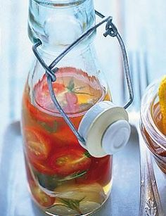 Rezept: Tomaten-Essig - [LIVING AT HOME]