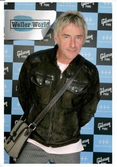 Musician Paul Weller poses backstage on the first night of a series of concerts and events in aid of Teenage Cancer Trust organised by charity Patron Roger Daltrey, at the Royal Albert Hall on March 2007 in London, England. Mod Hair, The Style Council, Paul Weller, Roger Daltrey, Band Outfits, Noel Gallagher, Royal Albert Hall, British Style, Pop Music
