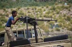 #موسوعة_اليمن_الإخبارية l القوات الحكومية اليمنية تسيطر على المجمع الحكومي وإدارة أمن المخا غربي تعز
