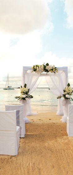 Beach Wedding - Riu Palace St Martin - Destination Wedding Saint Martin Island - Weddings by RIU