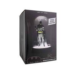 - Bell jar design with Batman figure. - height, USB powered only. Star Night Light, Dark Night, Figurine Batman, Dc Comics, Batman Collectibles, Jar Design, Large Lamps, Retro Lamp