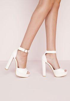 Missguided - Sandales à plateforme blanches effet croco