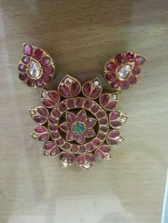 Sagar Jewellers Ruby Jewelry, India Jewelry, Temple Jewellery, Bridal Jewelry, Jewelery, Silver Jewelry, Bohemia Jewelry, Gold Jewelry Simple, Gold Jewellery Design