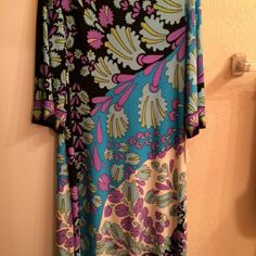 Summer dress Beautiful flowery summer dress for any occasion. dressbarn Dresses Midi