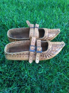 Ukrainian Folk Art Hand Made Leather Shoes by SenzaFineDesigns