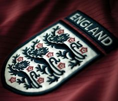 England Football Shirt Crest World Cup 2014 iPhone Wallpapers England National Football Team, England Football Shirt, National Football Teams, Team Wallpaper, Football Wallpaper, Football Team Logos, Football Shirts, Nottingham, England Badge
