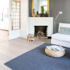 Suzan: 'Ik geloof dat je een blijer mens kunt worden als je in een fijn ingericht huis woont.' Suzan gunt ons een kijkje in haar jaren 30 huis. Comfort Zone, Contemporary, Living Room, Interior, House, Scandinavian, Toilet, Home Decor, Style