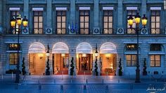 Hotels in Paris (France). The best hotels of Paris 5 *. 3 * and 4 * hotels in the center. Paris hotels with beautiful views. Russian hotels and budget hotels in Paris. Best Paris Hotels, London Hotels, Best Hotels, Best Vacation Destinations, Best Vacations, The Ritz Paris, London Tourist Guide, Astoria Hotel, Luxury Bar