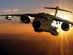 Maior avião já fabricado no país, KC-390 é fruto de parceria entre FAB e Embraer. Aeronave irá contar com sistema anti-míssil e comunicação ...
