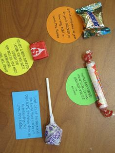 The Little Things: Testing Motivational Treats. I like that these are small and easy! I'm totally doing this for my past students who are in and grade taking STAAR. Student Treats, Student Gifts, Teacher Gifts, Teacher Stuff, Testing Treats For Students, Math Teacher, Classroom Treats, School Classroom, Future Classroom