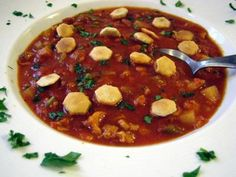 Probably the best Manhattan clam chowder you've ever tasted, made with canned clams, potatoes, tomatoes and a hint of cayenne pepper. Crockpot Recipes, Soup Recipes, Cooking Recipes, Recipes Dinner, Lunch Recipes, Breakfast Recipes, Recipies, Dessert Recipes, Clam Chowder Recipes