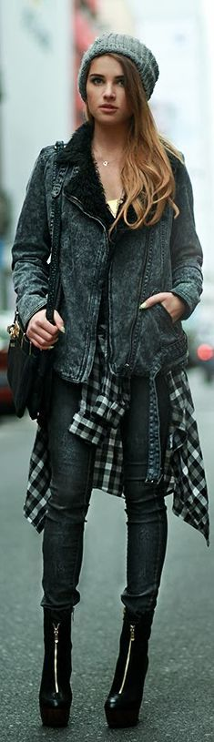 Jacket TALLY WEiJL / Shirt Stradivarius / Hat Donna Karan