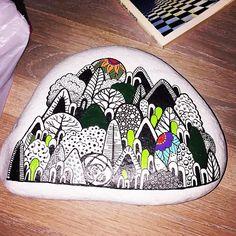 #tasarim #stones #sipariş #design #dekorasyon #unique #handmade #stand #istanbul #instadesign #instadecor #instastyle #instastoners #instafollow #takip #turkinstagram #contact #instadaily #instaphoto #photo #photooftheday #picoftheday #vscocam #yılbaşı #ağaç #orman #forest #tasarım