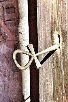 Anj (clau de la vida) a Abu Simbel - Egipte by Karma Tàpia