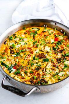 Veggie Frittata Loaded Veggie Fritatta - One pan breakfast chock full of veggies. Vegetarian and gluten free!Loaded Veggie Fritatta - One pan breakfast chock full of veggies. Vegetarian and gluten free! Veggie Frittata, Frittata Recipes, Breakfast Frittata, Vegetarian Frittata, Mini Frittata, Vegetarian Recipes, Cooking Recipes, Healthy Recipes, Meal Recipes
