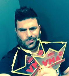 MAD VMA 2015: Δείτε τα μηνύματα και τις φωτογραφίες των νικητών με τα βραβεία!