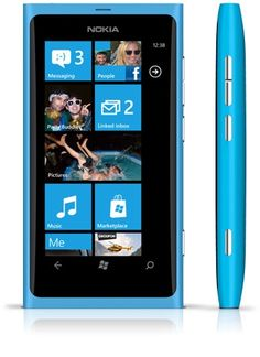 Cyan Nokia Lumia 900