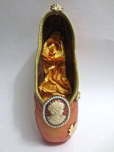 Autumn Cameo  Decorated Pointe Shoe by PavlovasDogs on Etsy