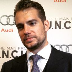 Napoleon Solo himself, #HenryCavill, takes to the #ManFromUNCLE red carpet. #ArmieHammer #AliciaVikander #ElizabethDebicki